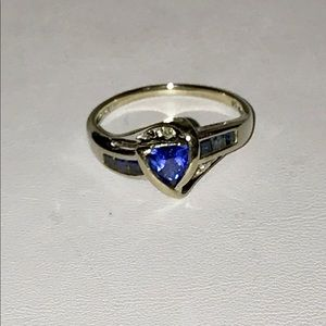 Jewelry - 10k white Gold TANZANITE w/ diamonds ring